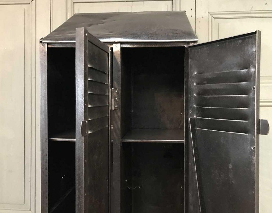 ancien-vestiaire-rivete-2-portes-mobilier-industriel-5francs-8