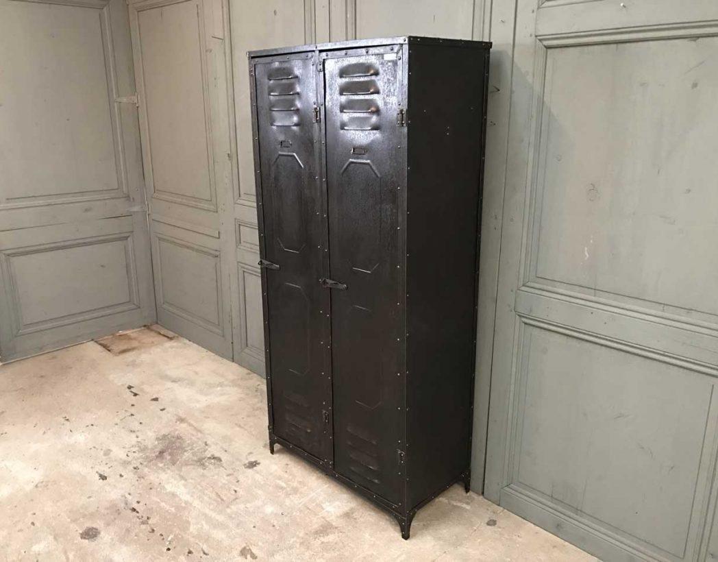 ancien-vestiaire-schwartz-hautmont-2-portes-mobilier-industriel-6
