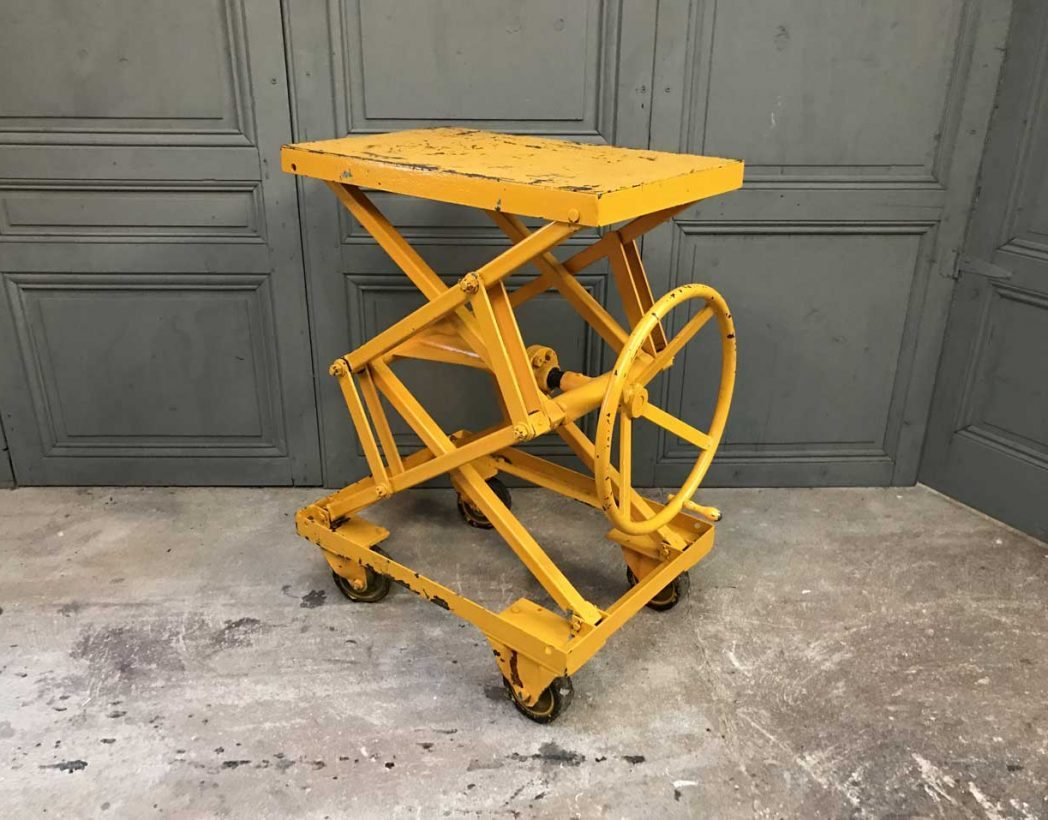 ancienne-table-elevatrice-garage-mobilier-industriel-5francs-2