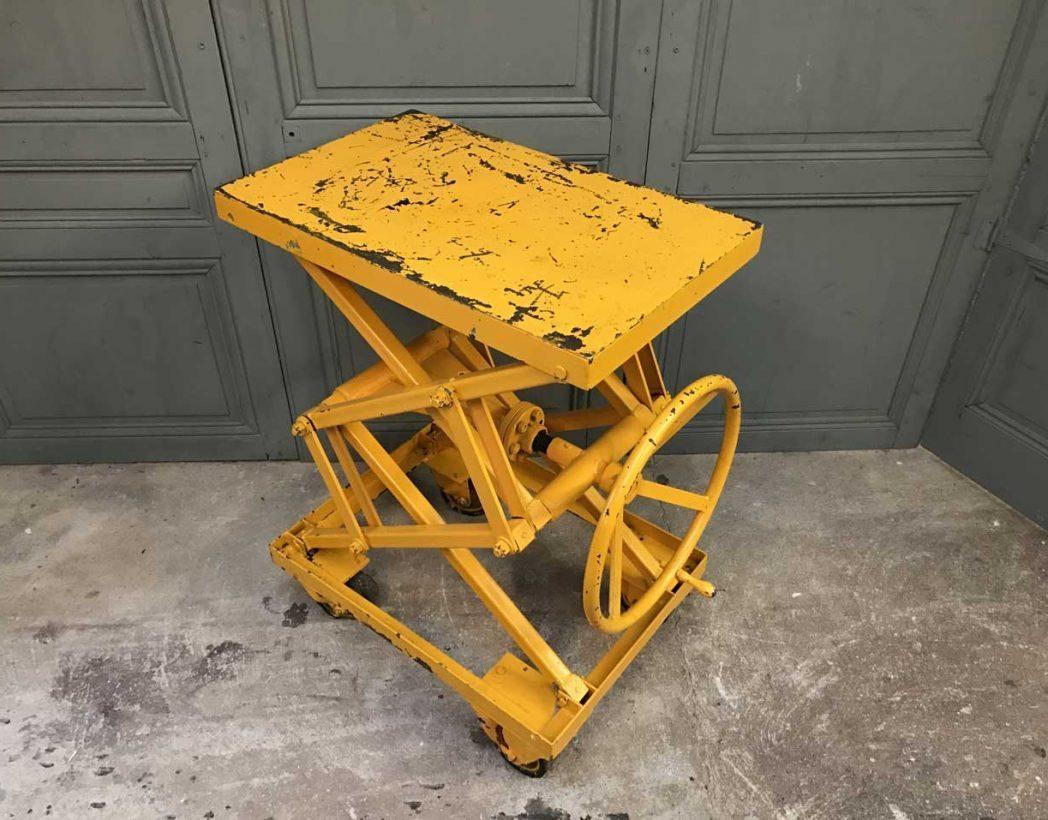 ancienne-table-elevatrice-garage-mobilier-industriel-5francs-3