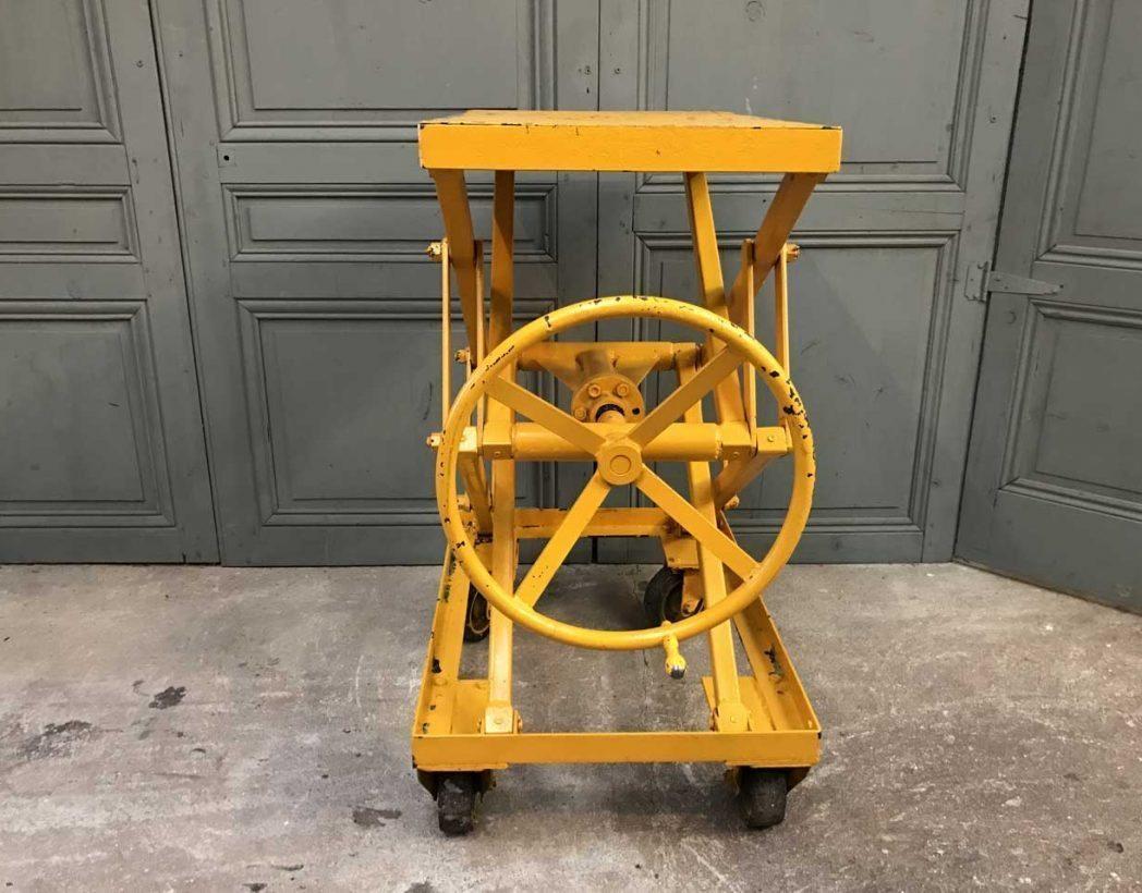 ancienne-table-elevatrice-garage-mobilier-industriel-5francs-4