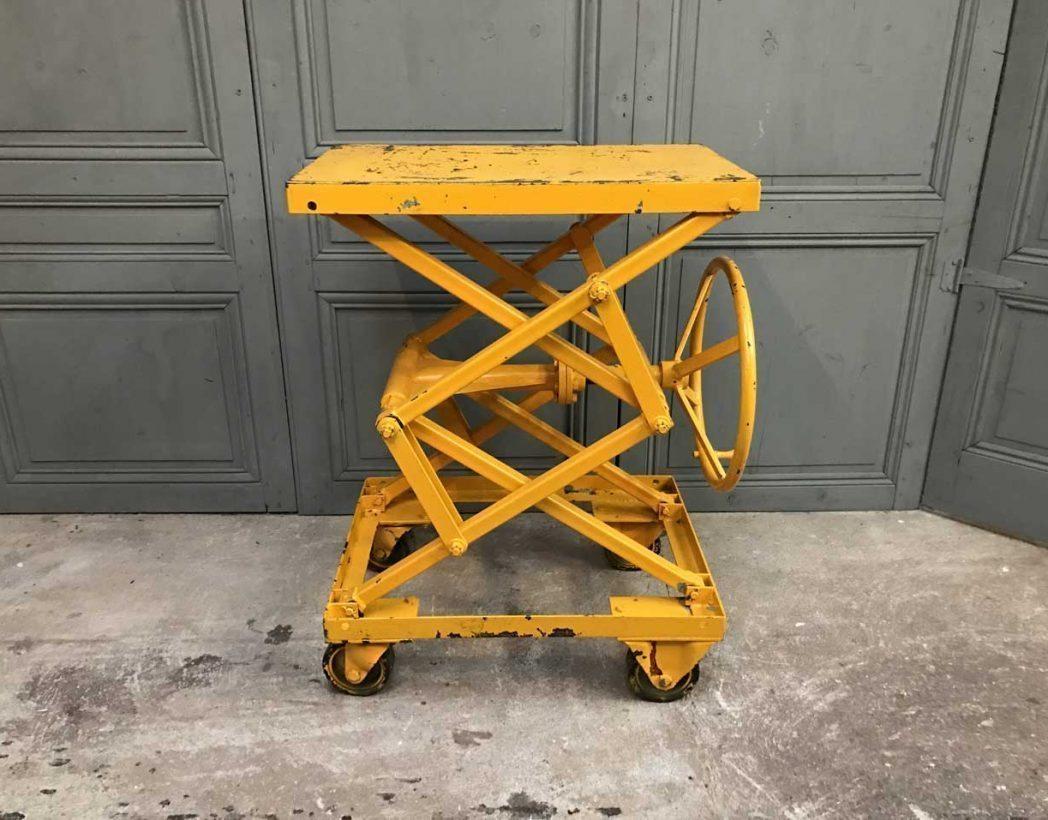 ancienne-table-elevatrice-garage-mobilier-industriel-5francs-5
