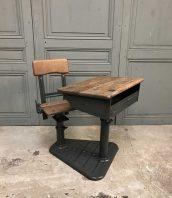 Table industrielle vintage avec pied en bois acier for Bureau jean prouve