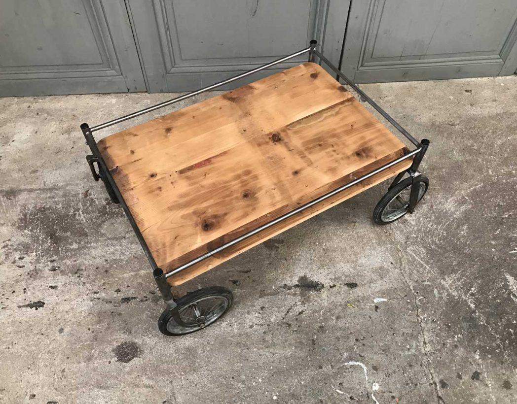 table basse chariot industriel ancien chariot d h pital. Black Bedroom Furniture Sets. Home Design Ideas