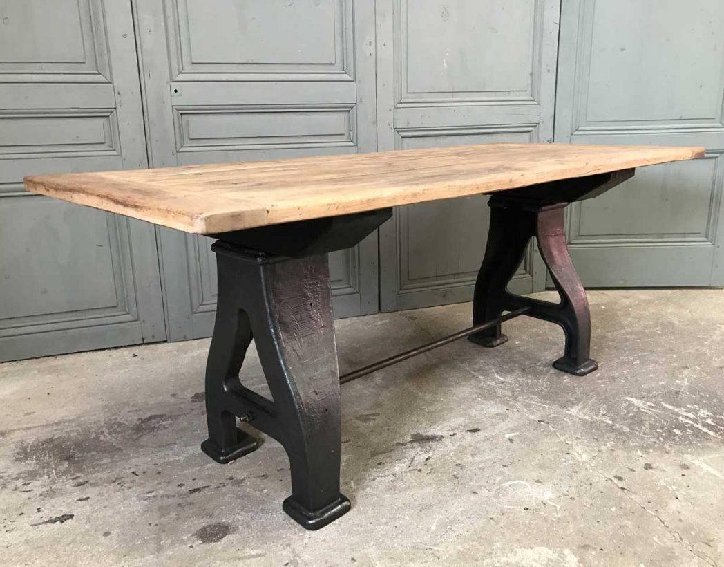 table-industrielle-pieds-fonte-a-5francs-7