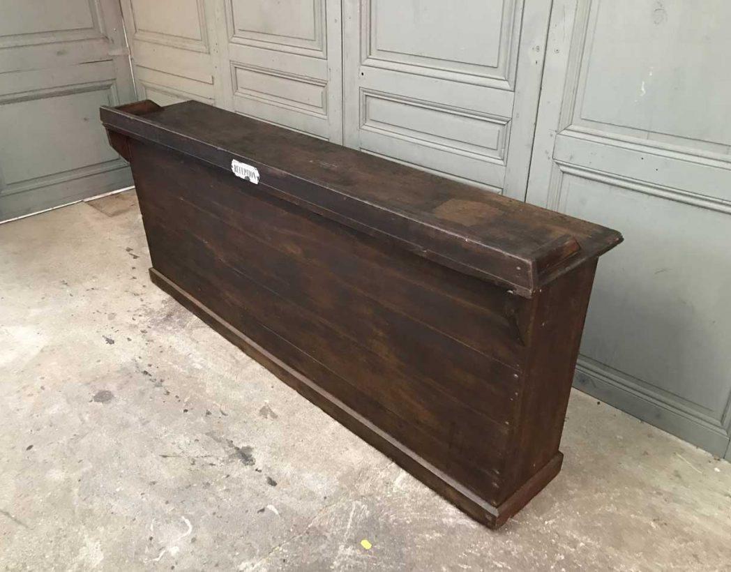 Ancienne banque de r ception d 39 hotel for Comptoir du meuble delson