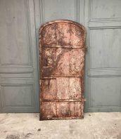 ancienne-porte-rivete-metal-18eme-materiaux-patine-5francs-1