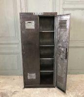 vestiaire-atelier-metal-decape-mobilier-industriel-5francs-1