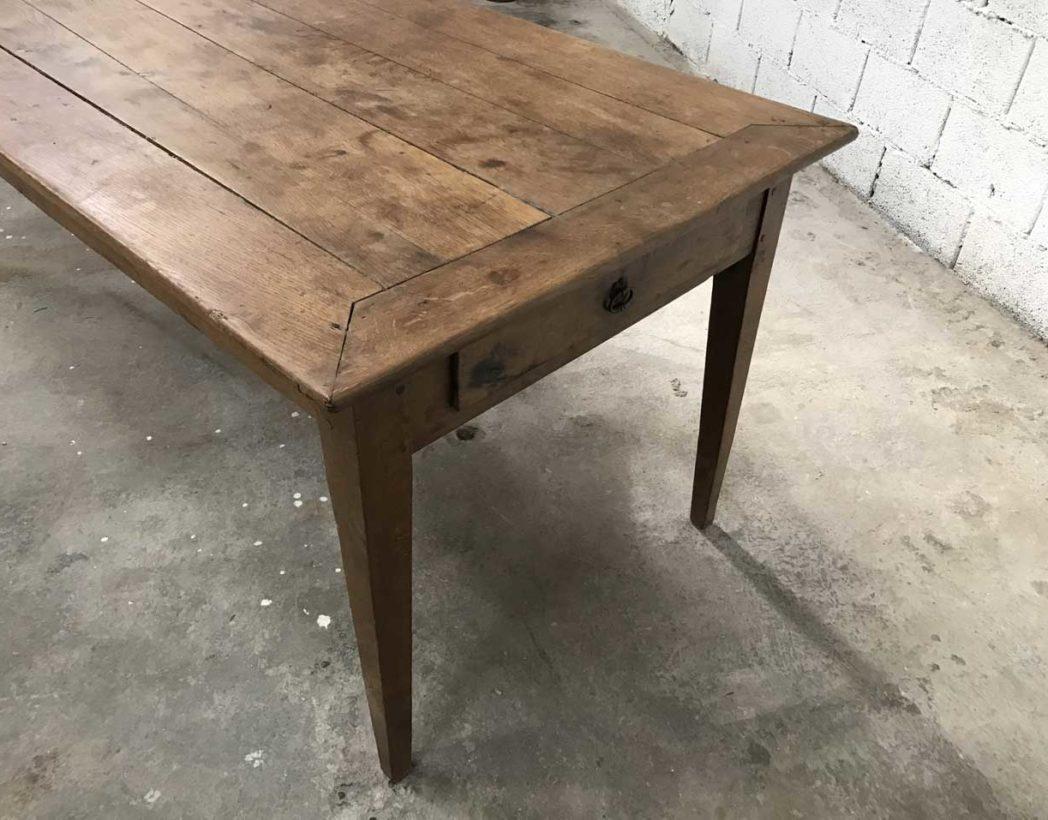 Ancienne table de ferme pieds fuseaux en ch ne massif n 004 for Table ancienne de ferme