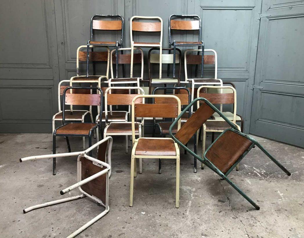 ensemble de 19 chaises tolix d 39 cole. Black Bedroom Furniture Sets. Home Design Ideas