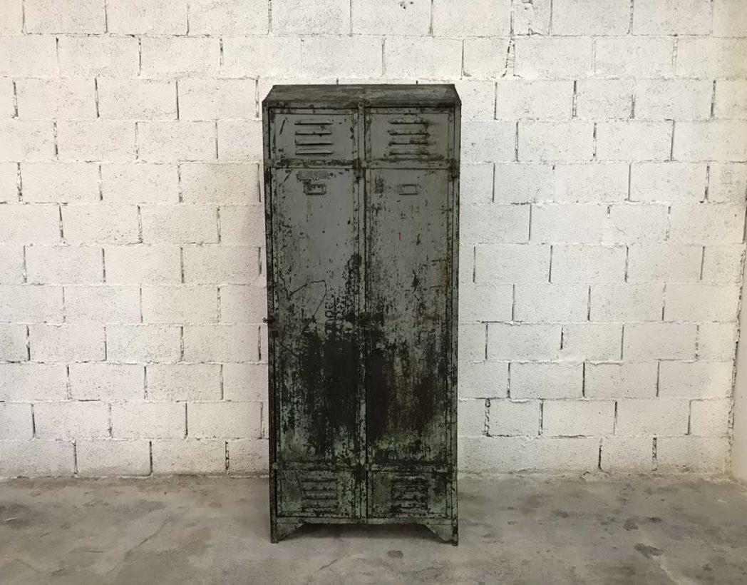 ancien-vestiaire-rivete-2-portes-metal-patine-grise-verte-atelier-industriel-5francs-2