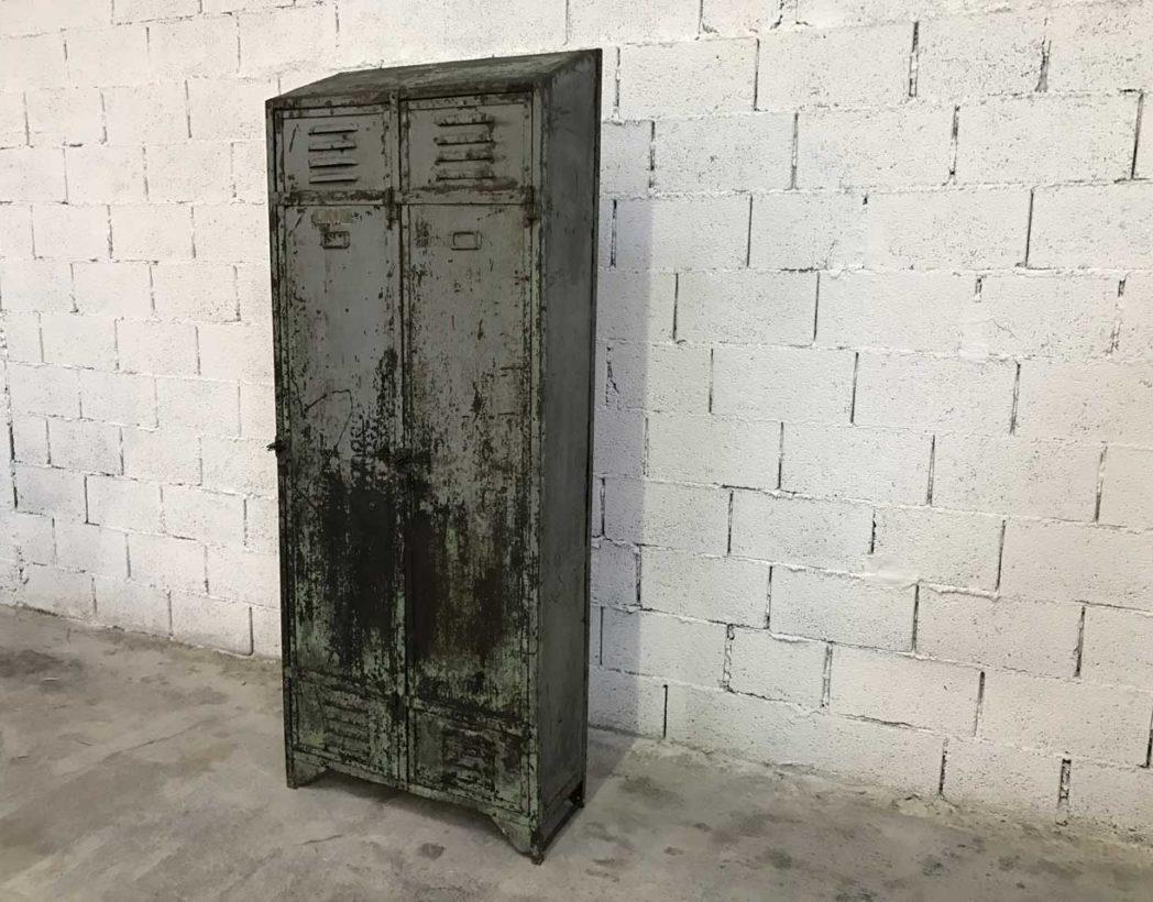 ancien-vestiaire-rivete-2-portes-metal-patine-grise-verte-atelier-industriel-5francs-3