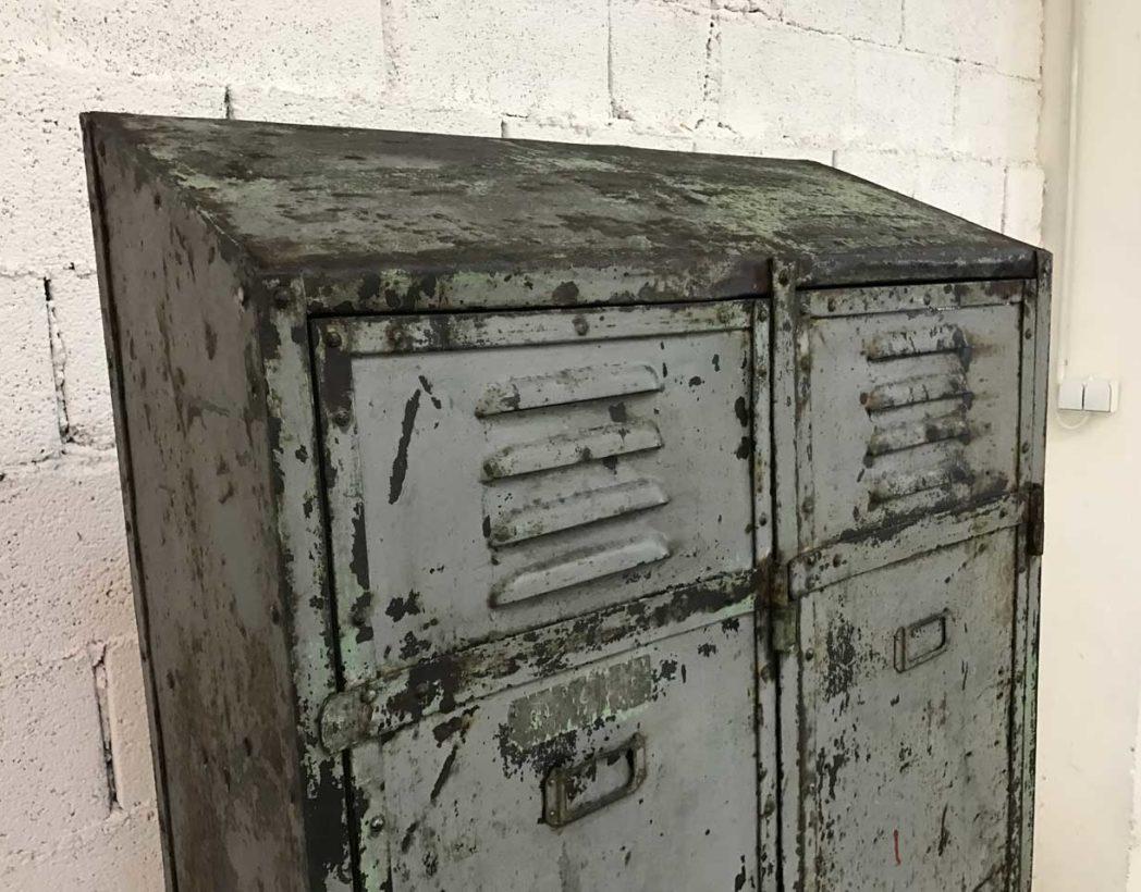 ancien-vestiaire-rivete-2-portes-metal-patine-grise-verte-atelier-industriel-5francs-6
