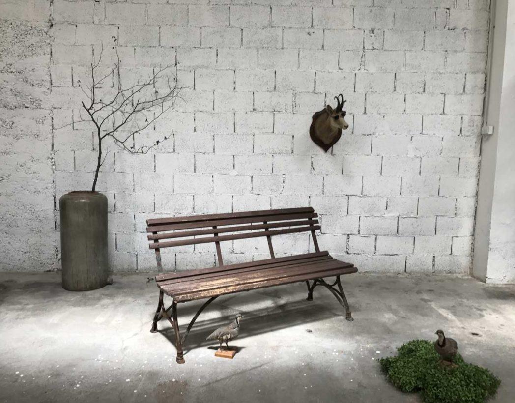 banc-jardin-bois-metal-1900-pieds-style-arras-patine-5francs-3