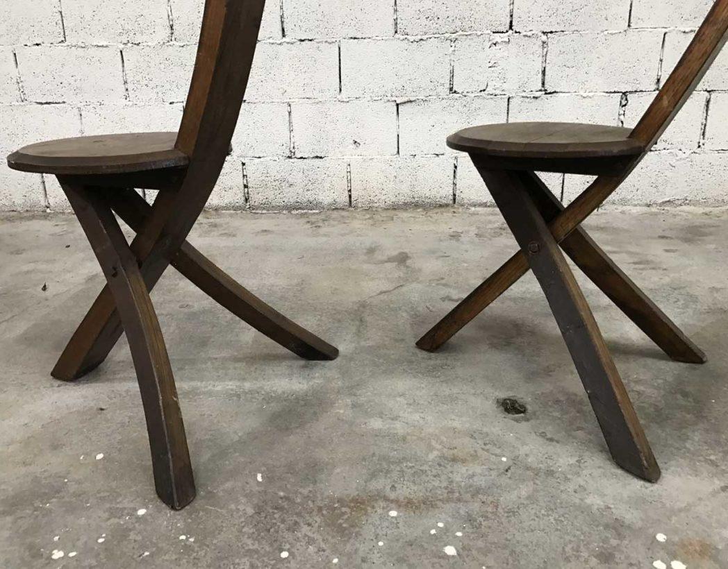 ensemble-4-chaises-primitives-bois-ligne-minimaliste-tripode-5francs-9-1