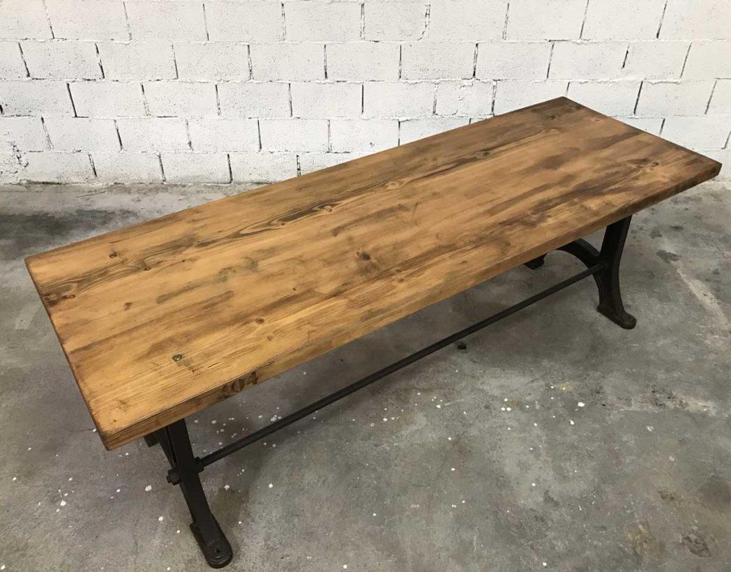 grande-table-industrielle-pied-fonte-104-bois-5francs-3