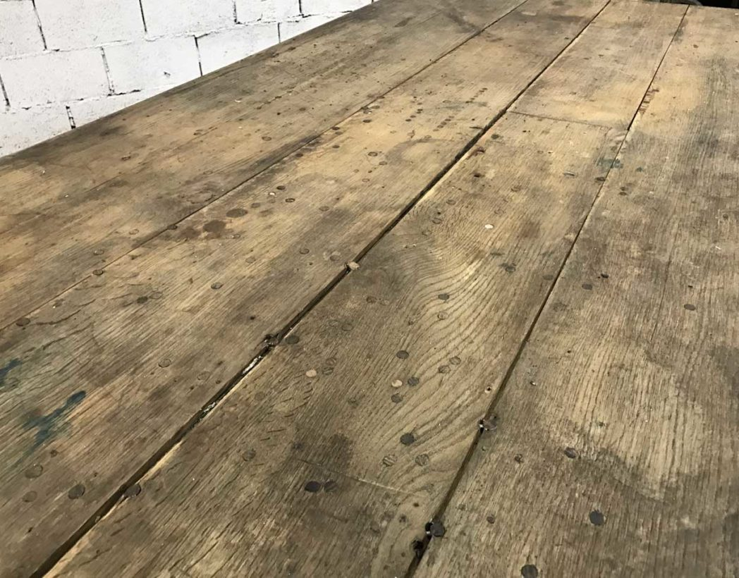 table-ferme-ancienne-chene-pied-tourne-patine-blanche-5francs-4