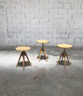 tabouret-vintage-bois-quadripode-tournant-vis-atelier-5francs-0
