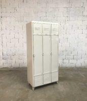 ancien vestiaire arrondi 3 portes blancs metal industriel 5francs 1 172x198 - Ancien vestiaire 3 portes arrondi blanc année 50