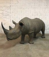rhinoceros grandeur nature deyrolles taxidermie trophee 5francs 1 172x198 - Réplique fidèle d'un Rhinocéros noir en résine