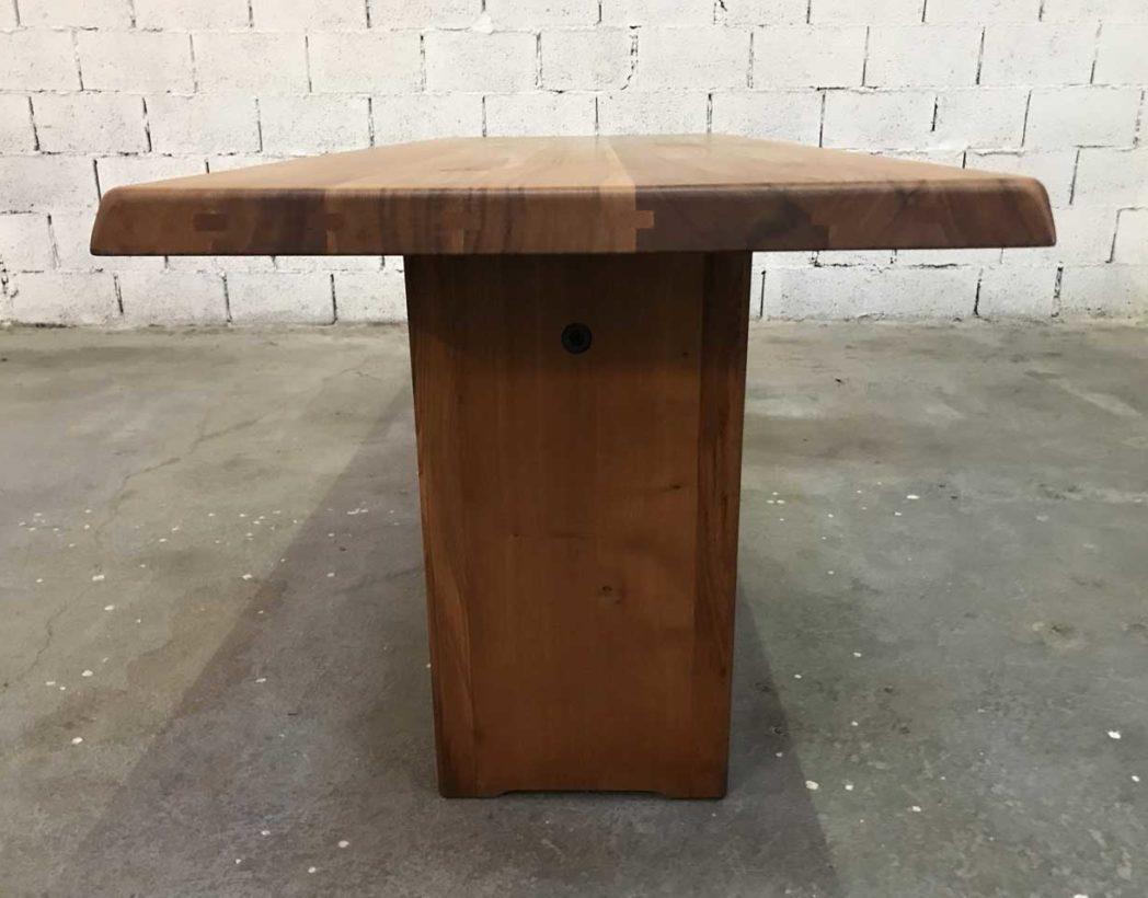 Table A Manger Originale table à manger originale en orme massif par pierre chapo 1960