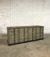 ancien meuble metier 32 tiroirs banque patine 5francs 1 172x198 - Ancienne banque de mercerie double face de 32 tiroirs peinte