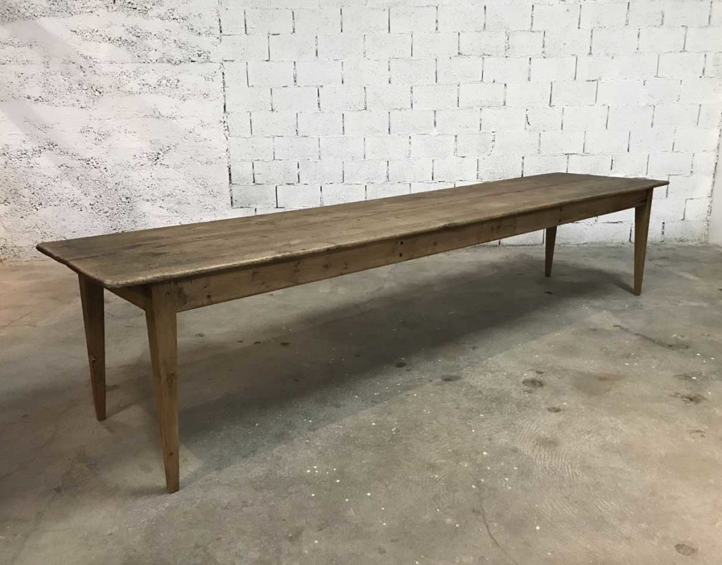 Tres grande table a manger ide relooking cuisine tres grande table plateau salle a manger chene for Tres grande table de salle a manger