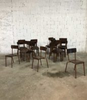 lot 26 chaises ecole vintage marron 5francs 1 172x198 - Ensemble de 26 chaises école couleur marron