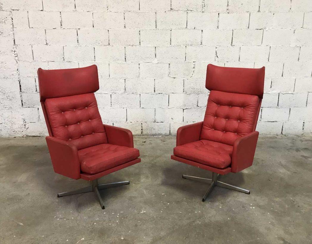 paire de fauteuils vintages rouges ann es 70 en simili cuir. Black Bedroom Furniture Sets. Home Design Ideas