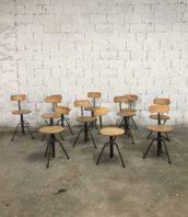 tabouret chaise atelier ancien bois metal reglable industriel 5francs 1 172x198 - Lot anciens chaises d'atelier tripodes réglables bois et métal