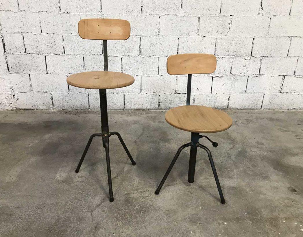 lot anciens chaises d atelier tripodes r glables bois et m tal. Black Bedroom Furniture Sets. Home Design Ideas