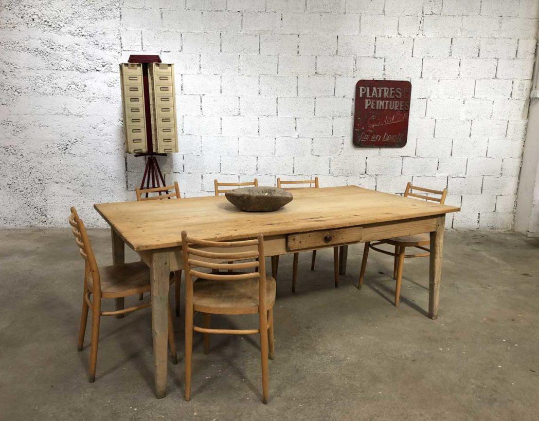 Ancienne table de ferme en pin , en 12 cm époque 12
