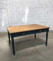 ancienne table de bureau chene massif bleu canard 2 tiroirs longueur 150cm 5francs 1 172x198 - Ancienne table de bureau en chêne massif bleu canard longueur 150 cm