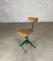 chaise atelier design jean prouve originale 5francs 1 172x198 - Chaise d'atelier industriel du designer Jean Prouvé