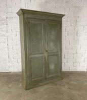 armoire parisien patine origine gris vert pin hauteur 240cm 5francs 1 172x198 - Immense armoire parisienne patine d'origine gris-vert pin haut 240cm