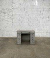 ancien bureau pin patine grise 5francs 1 172x198 - Ancien petit bureau en pin patine grise d'origine 114 cm