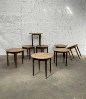 ensemble 8 table bistrot rond pieds fuseau 5francs 1 172x198 - Ensemble 8 anciennes tables de bistrot rondes pieds fuseau
