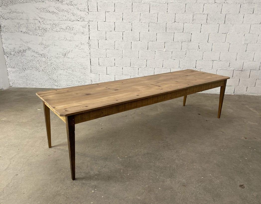 """Table de ferme modèle """"JURA"""" piétement chêne plateau pin longue 12cm"""