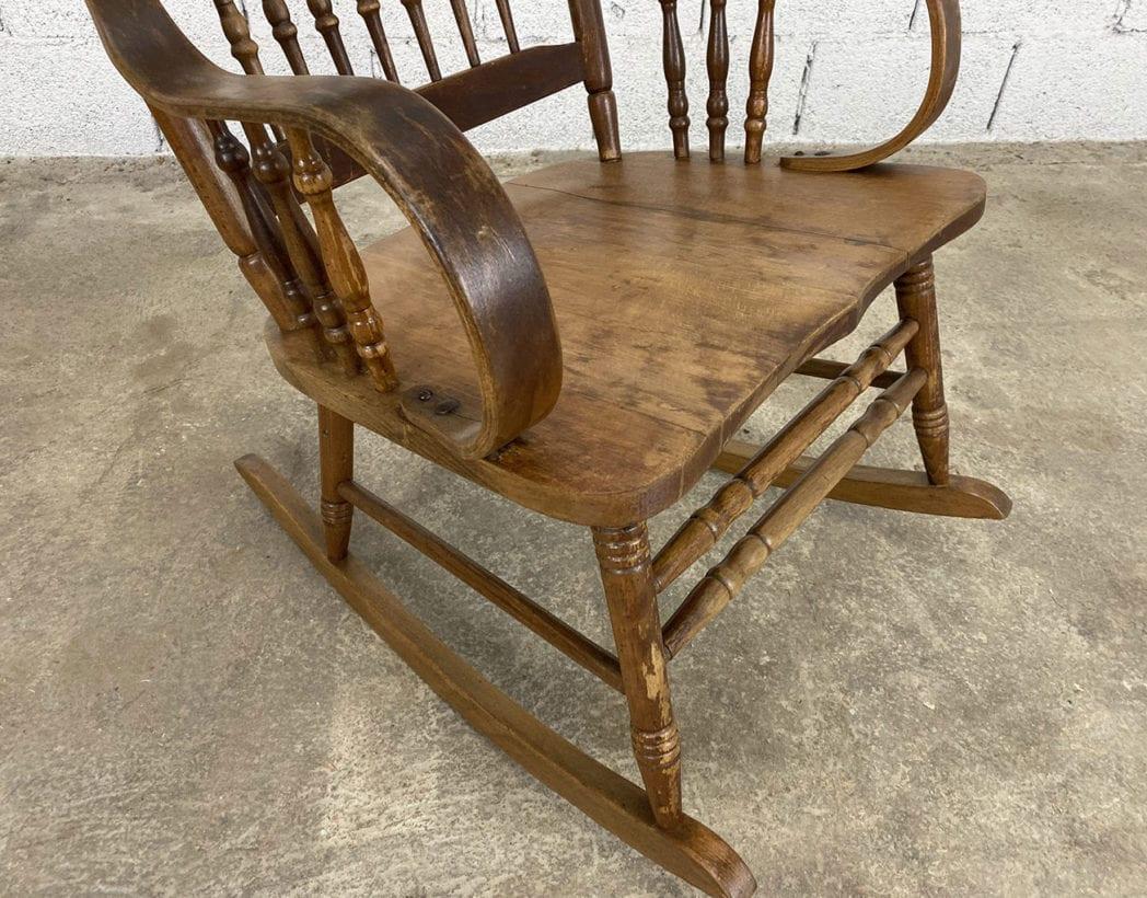 ancien-fauteuil-bascule-rocking-chair-bois-vintage-5francs-4