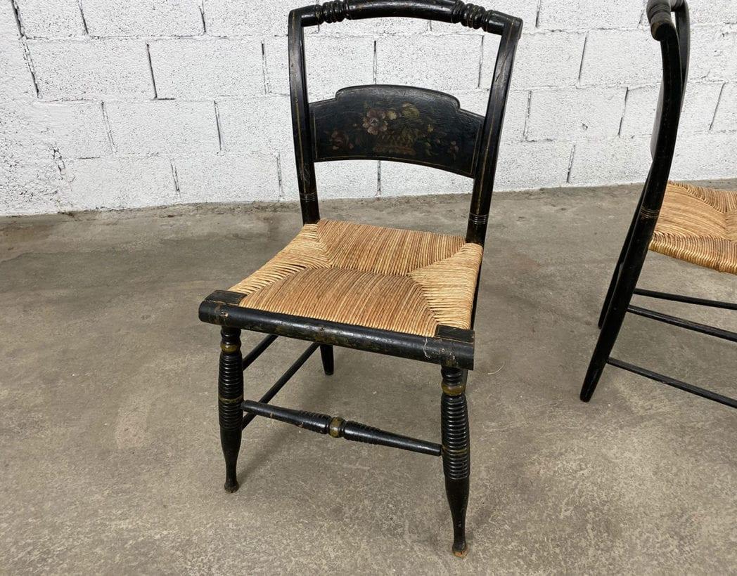 duo-chaises-hitchcock-hetre-bois-noir-motifs-fleuris-paille-5francs-4