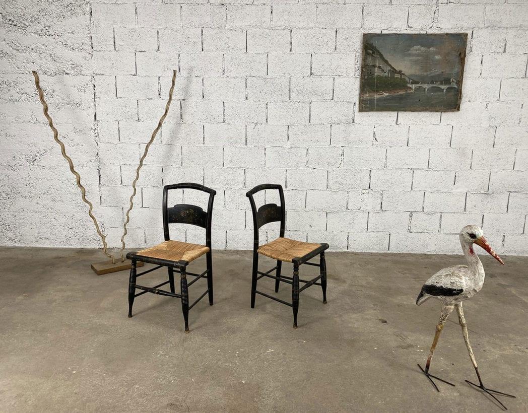 duo-chaises-hitchcock-hetre-bois-noir-motifs-fleuris-paille-5francs-5