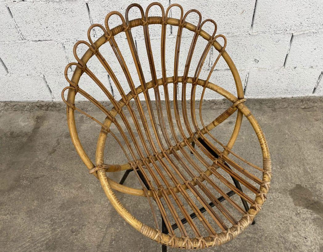 fauteuil-corbeille-couronne-rotin-osier-piétement-métal-noire-vintage-5francs-3