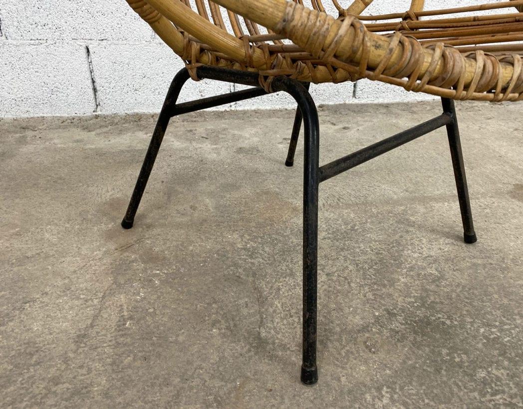 fauteuil-corbeille-couronne-rotin-osier-piétement-métal-noire-vintage-5francs-4