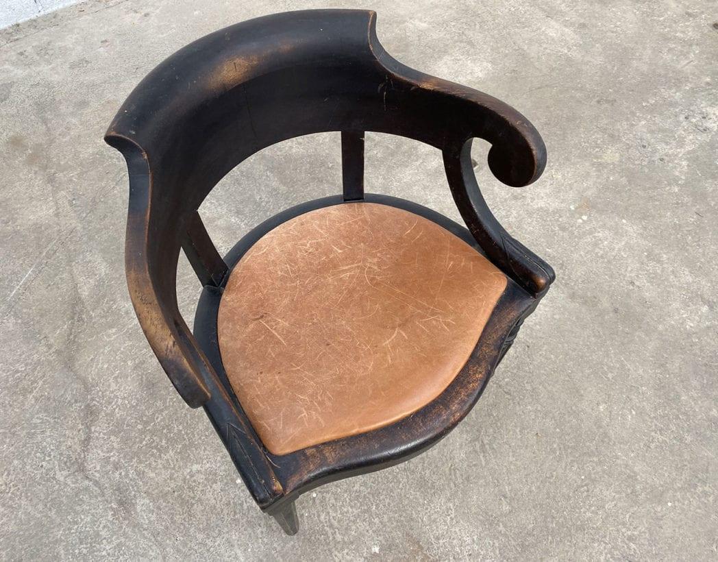 fauteuil-louis-philippe-bois-noir-cuir-cognac-patine-vintage-retro-5francs-4