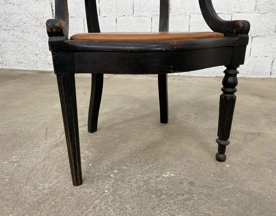 fauteuil-louis-philippe-bois-noir-cuir-cognac-patine-vintage-retro-5francs-6