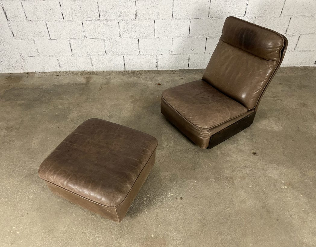 fauteuil-repose-pieds-cuir-marron-de-sede-5francs-4