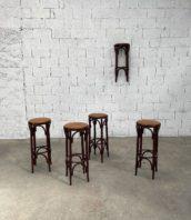 anciens-tabourets-hauts-bar-bistrot-bois-cuir-bois-courbe-deco-vintage-5francs-1