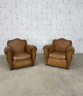 paire-anciens-fauteuils-club-cognac-patine-cuir-vintage-5francs-1