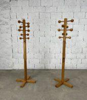 paire-anciens-portes-manteaux-boules-esprit-charlotte-perriand-les-arcs-bois-retro-annees60-5francs-1