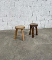 paire-anciens-tabourets-bois-brutalistes-brutalisme-dudouyt-minimaliste-charlotte-perriand-5francs-1